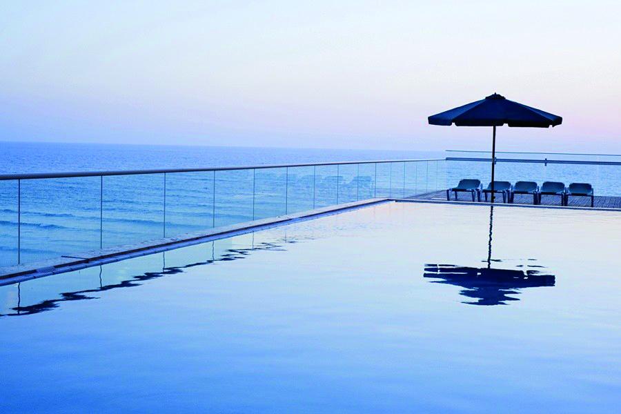 Leonardo Suite Bat Yam- Pool